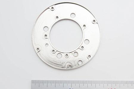 通信衛星用部品 純鉄の薄物加工