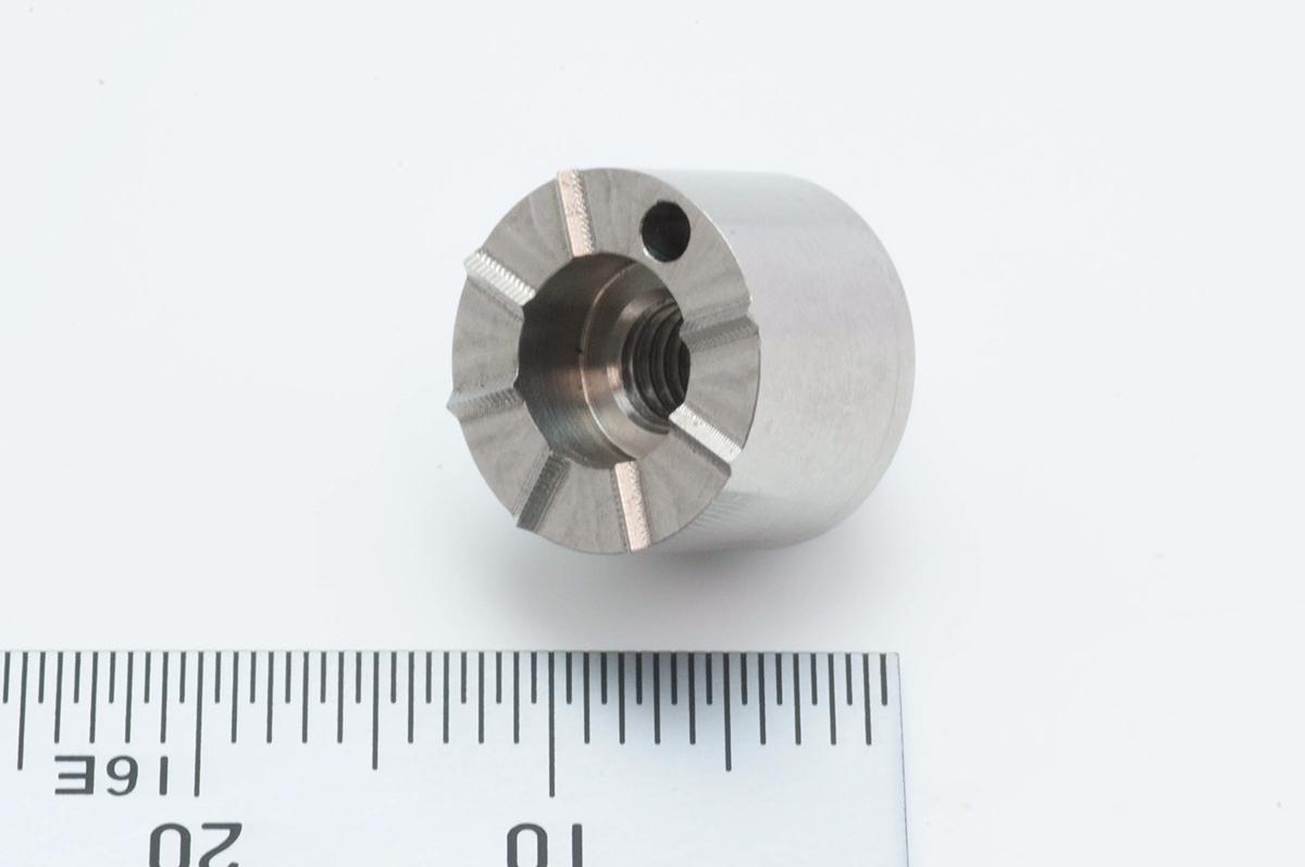 チタン小物の複雑切削加工品